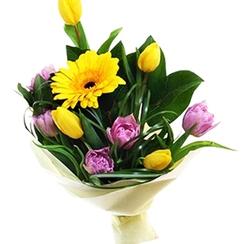 Тюльпаны с герберой